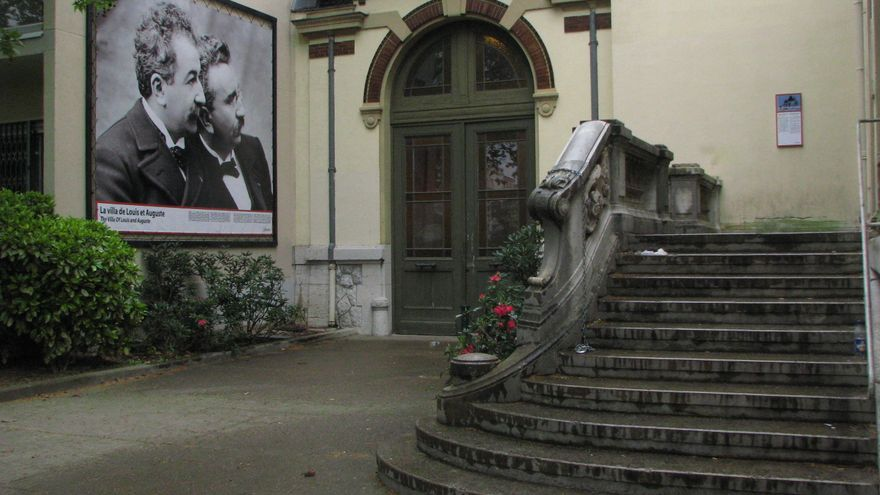 Entrada al Museo Lumière.