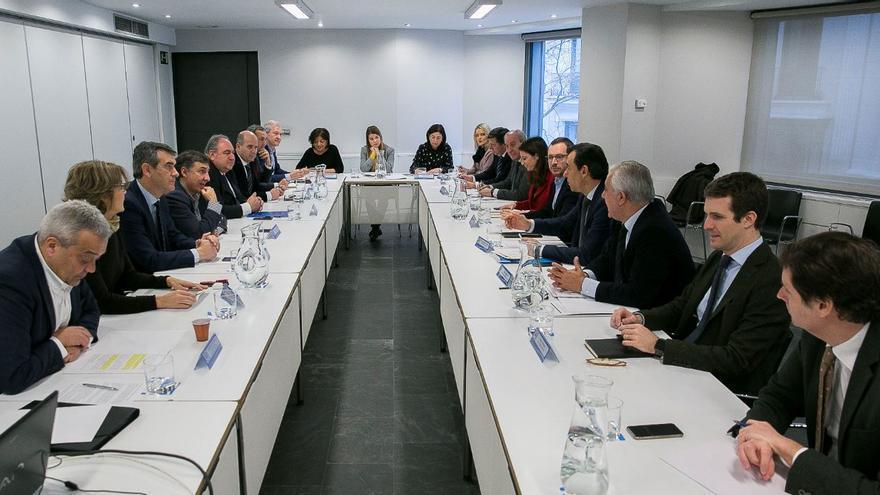 Reunión de coordinación con los secretarios ejecutivos del PP tras las elecciones catalanas del 21D.