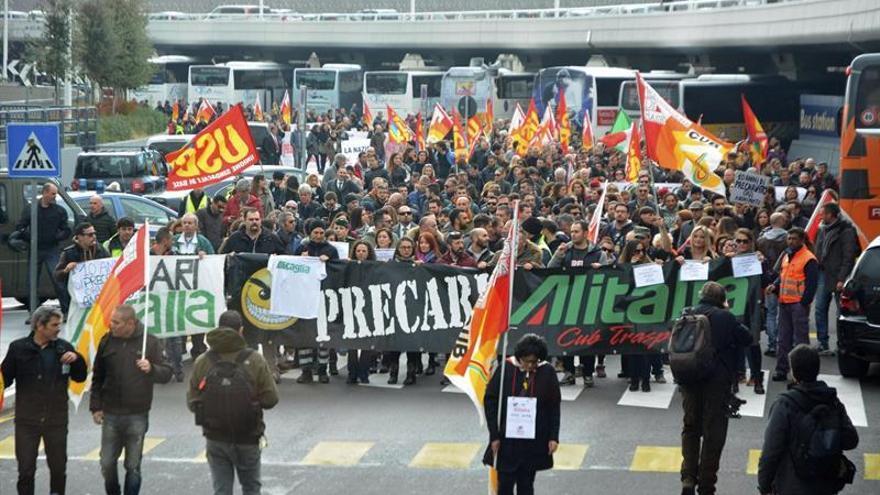 El 90 % de los empleados de Alitalia secunda la segunda huelga en dos meses
