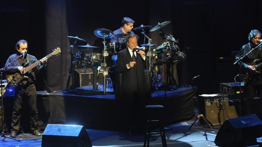 """Julio Iglesias; """"Soy un estoico. Mi disciplina está hecha de hierro"""""""