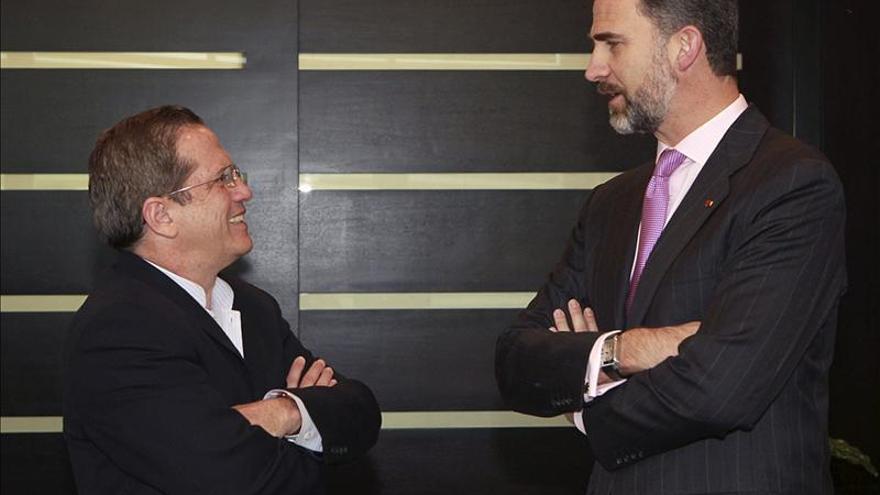 El Príncipe Felipe aborda con el presidente de Ecuador las relaciones bilaterales