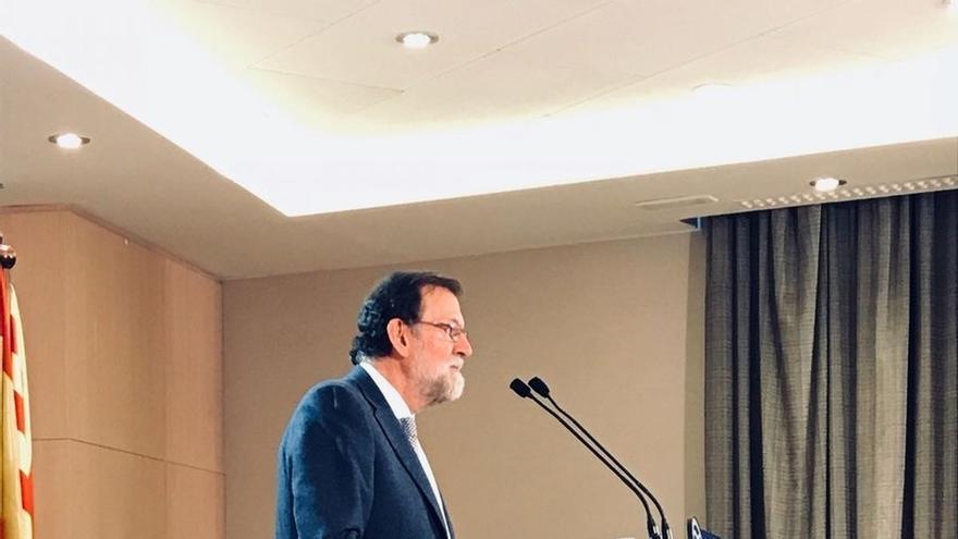 """Rajoy dice que no puede repetirse un Govern """"que presione a periodistas y jueces que no piensen como ellos"""""""