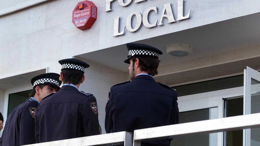 """La APLB tilda de """"temerario"""" dejar en manos de un vigilante privado la Jefatura de la Policía Local"""