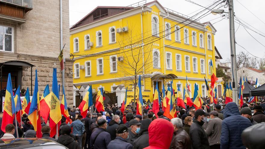 La presidenta moldava disuelve el Parlamento y convoca comicios el 11 de julio