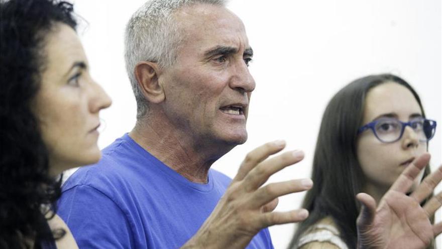 """Cañamero presenta una lista """"complementaria"""" a la de Iglesias para las primarias"""