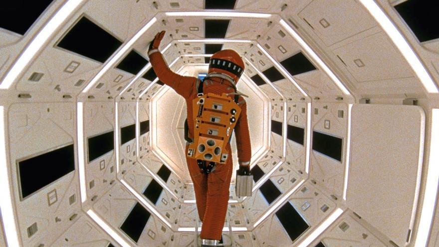 El dr. Dave Bowman se enfrenta a HAL 9000 en '2001: una odisea en el espacio'