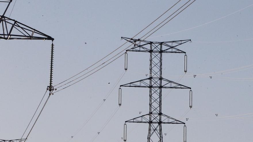 Viesgo dice que la subida del precio de la electricidad afecta a menos de la mitad de los clientes domésticos