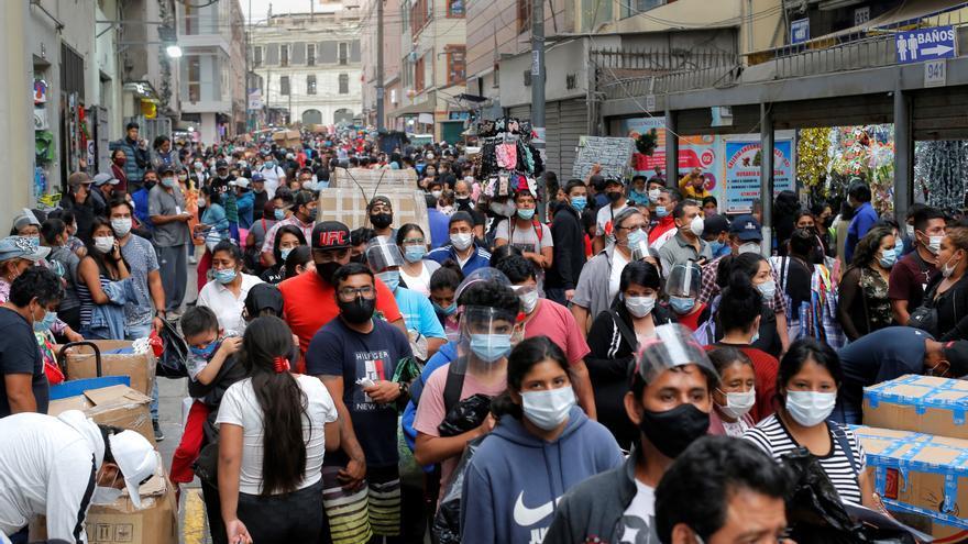 Perú suma 3.000 casos de covid-19 y anuncia medidas para frenar segunda ola