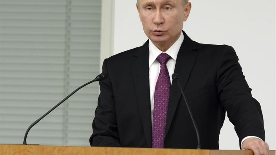 Putin llama a Erdogan a responder al atentado con una lucha más firme antiterrorista