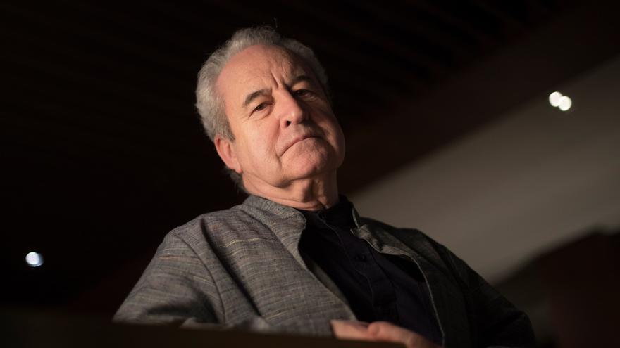 Benjamin Black: es peligroso que se pida cada vez más violencia en la ficción