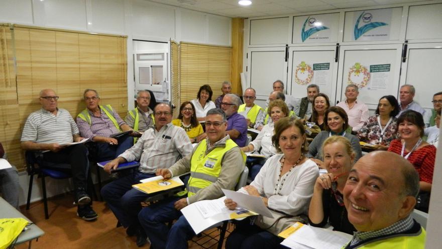 Coordinadores de la 'Operación Kilo' durante la charla de formación.
