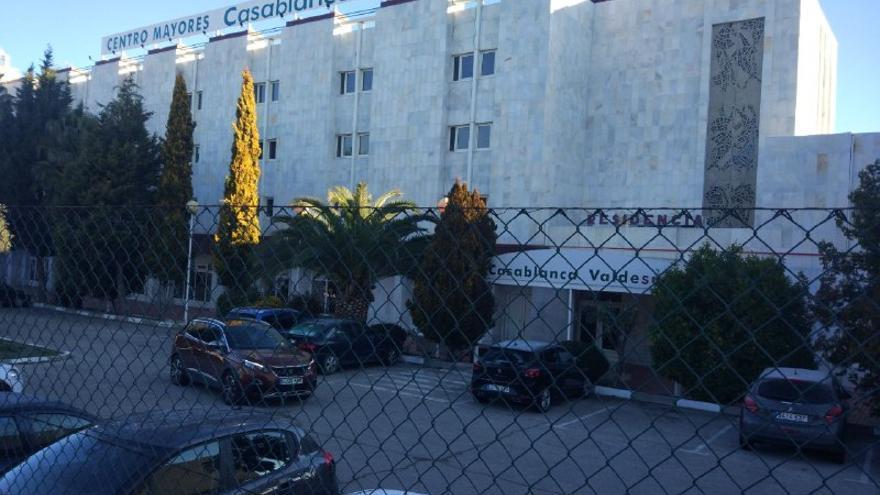 La Comunidad de Madrid limita a dos casos las irregularidades en la residencia de Valdemoro que coló en la vacunación a familiares de sus empleados