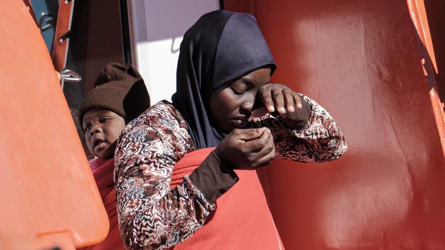Noche trágica en la ruta canaria: un migrante muere en una embarcación al sur de Gran Canaria