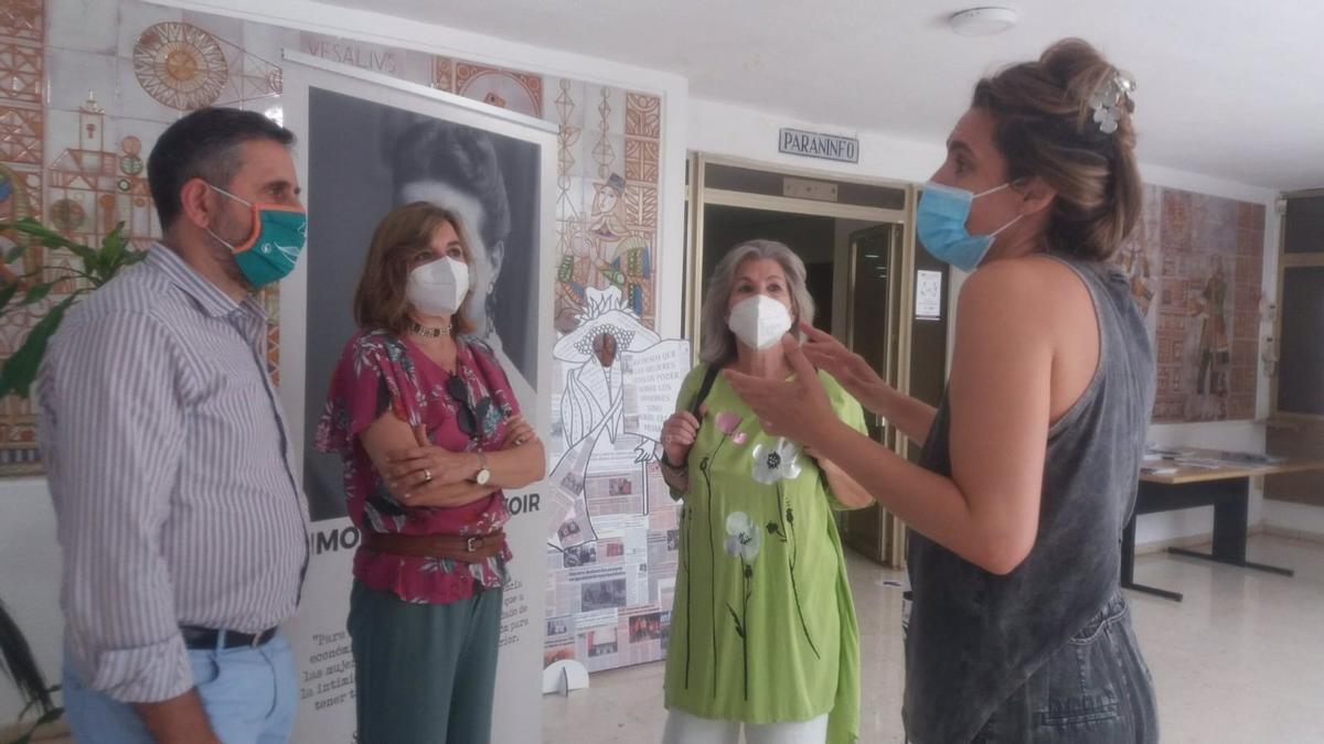 Eloy Girela y Rosario Mérida junto a Rafaela y Lourdes Pastor.
