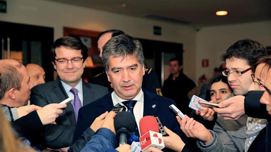 Cosidó: España no merece un líder que se emociona con la agresión a policías