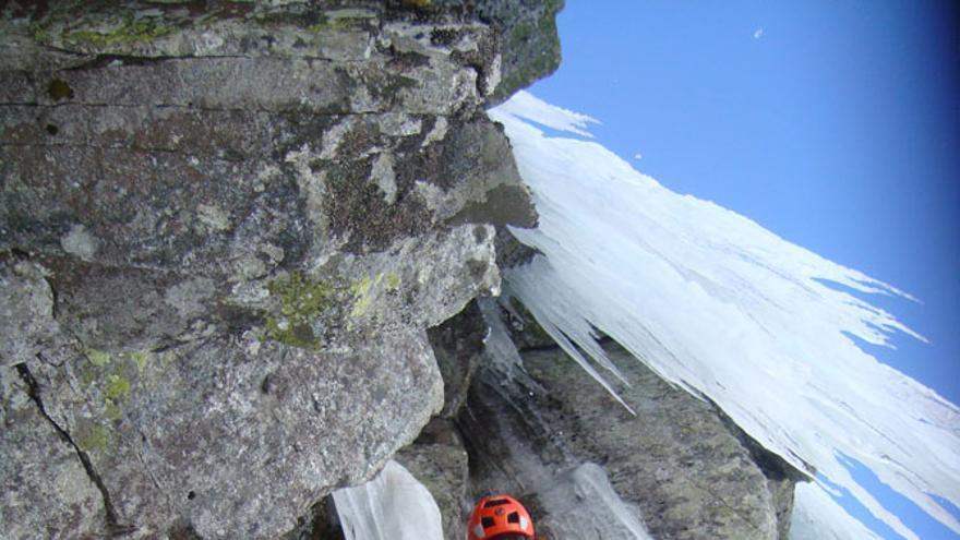 Cascadas de hielo, Actividades campobase