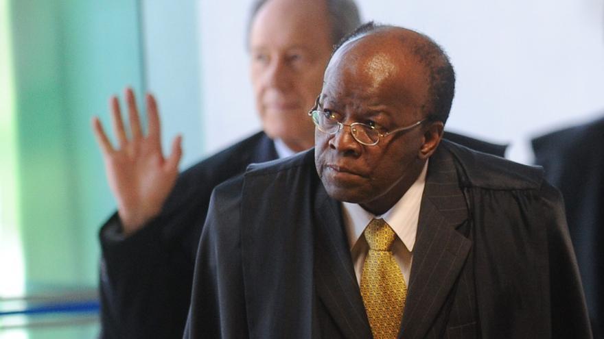 """Juez pide condena para diez políticos en el """"juicio del siglo"""" en Brasil"""