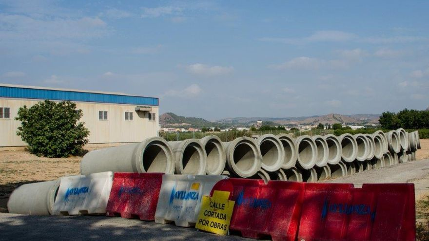 """La oposición exige explicaciones por el entubamiento de cauces de riego en suelo """"no urbanizable"""""""