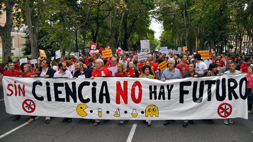 Manifestación en contra de los recortes en ciencia en Madrid