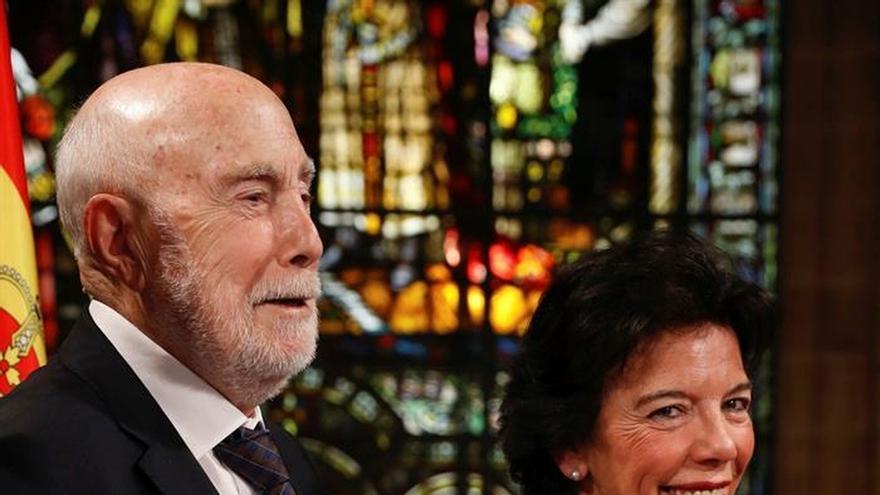 """Homenaje a Raúl Guerra Garrido """"como escritor y como ejemplo moral"""""""