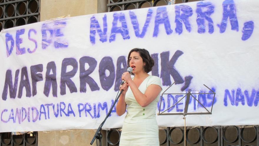 Laura Pérez (Podemos) ejerce como portavoz este martes en el Parlamento a pesar de estar suspendida
