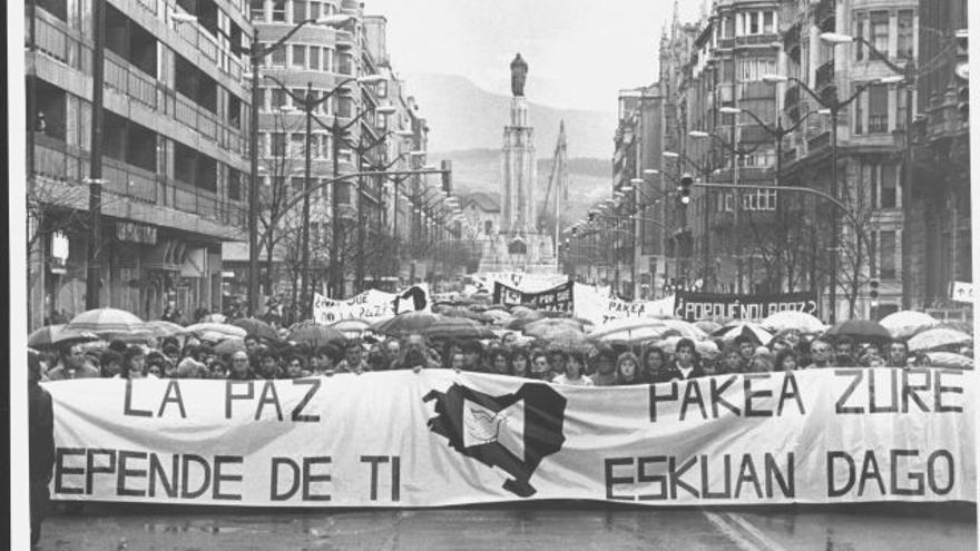 Manifestación en Bilbao de Gesto por la Paz, enero de 1988