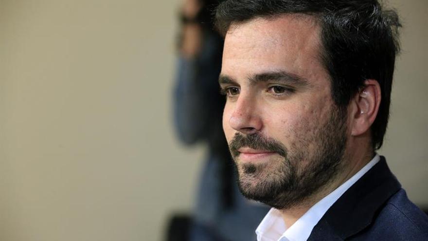 Garzón denuncia la agresión regresiva de las reformas laborales de PP y PSOE