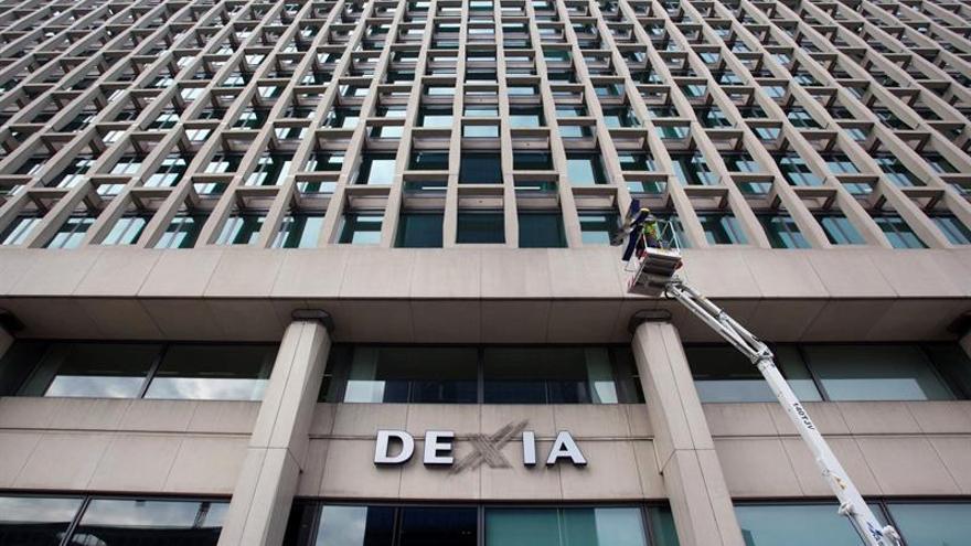 La CE aprueba el plan para convertir preferentes de Dexia en acciones ordinarias
