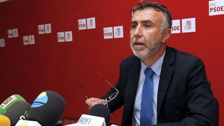 Ángel Víctor Torres (Efe/ Élvira Urquijo).
