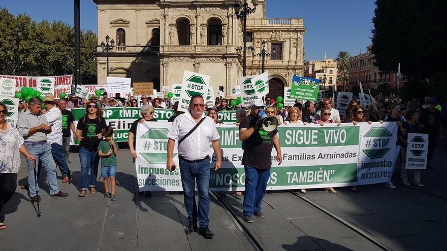 """Stop Impuesto Sucesiones estima en """"varios miles"""" la asistencia a su manifestación para la supresión de la tasa"""