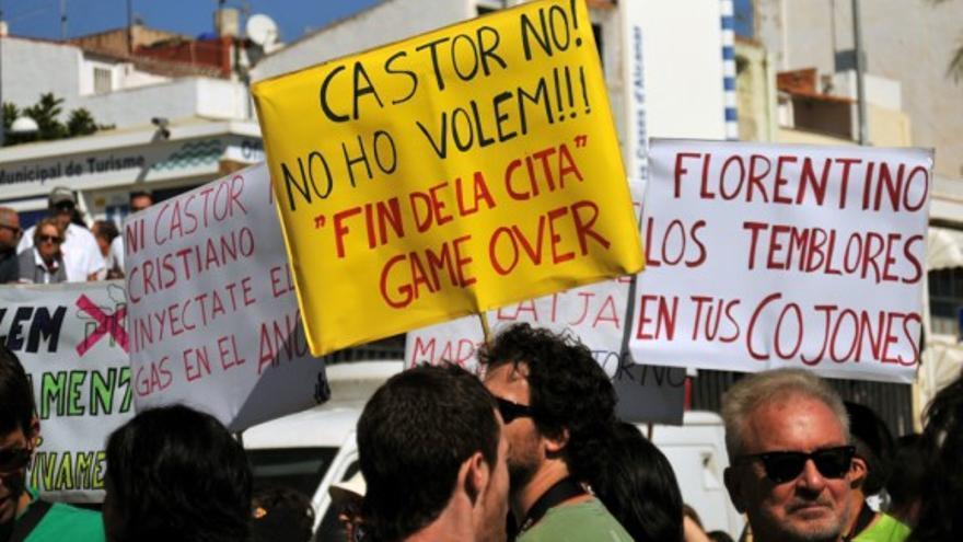 Protesta contra el depósito submarino de gas Castor.