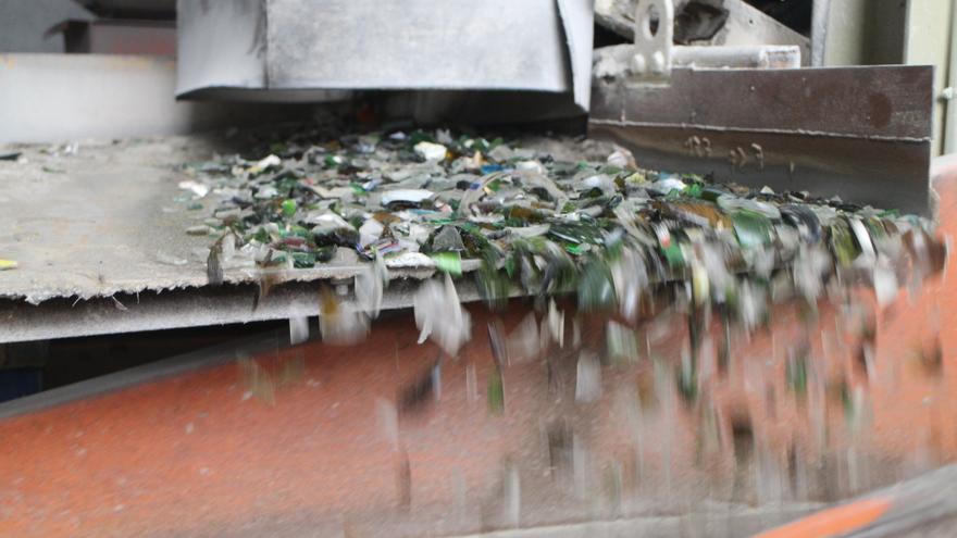 En 2018 Ecovidrio recicló 53.628 toneladas de vidrio rescatadas de la basura.