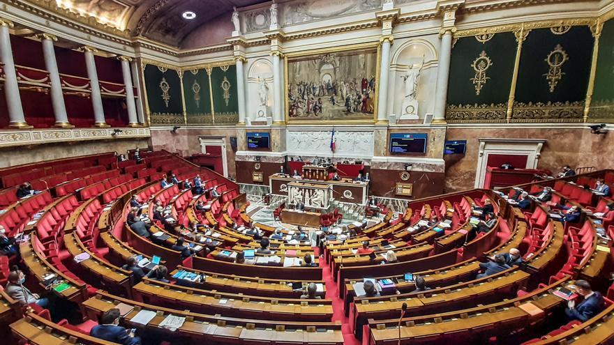 El Gobierno francés recula en la polémica legal sobre las imágenes de policías