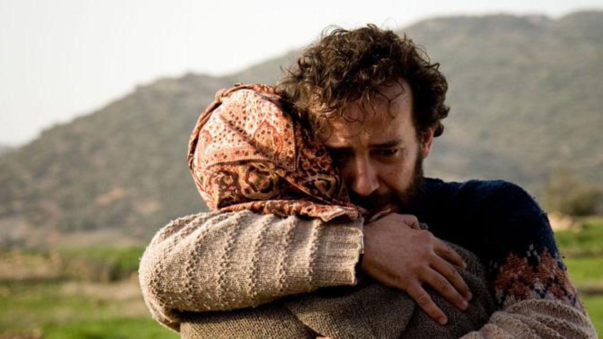 Fotograma del largometraje Retorno a Hansala (2008).