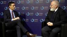 El presidente del Gobierno en funciones, Pedro Sánchez y el vicepresidente de la Comisión Europea Frans Timmermans, durante la COP25 de Madrid.