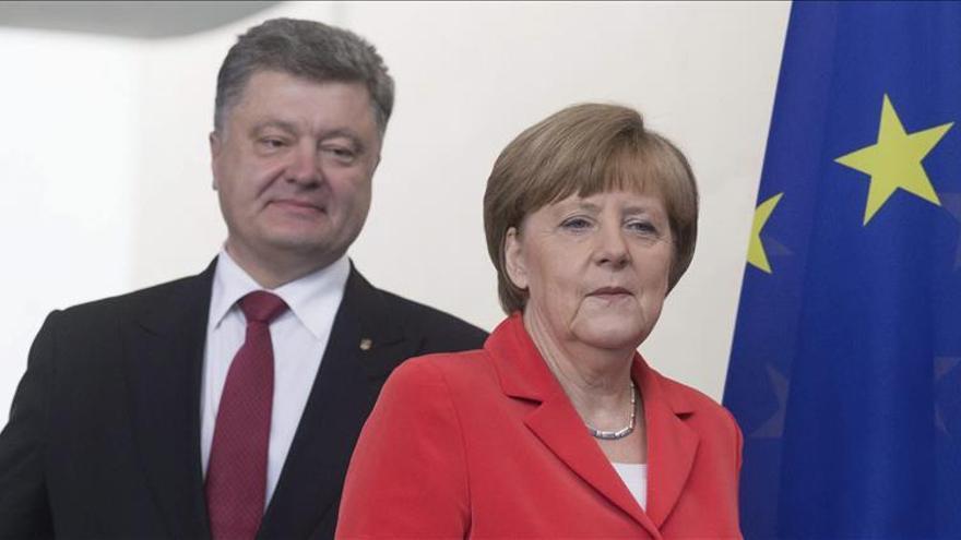 Merkel reconoce el bloqueo de su vía diplomática para el conflicto de Ucrania