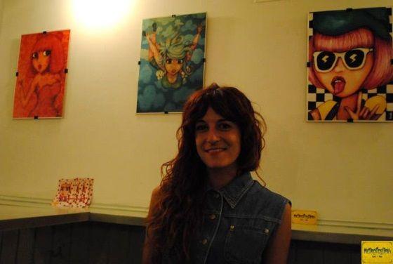La artista el día de la inauguración | https://www.facebook.com/pages/Metropolitain-Caf%C3%A9-Bar/472164509493574