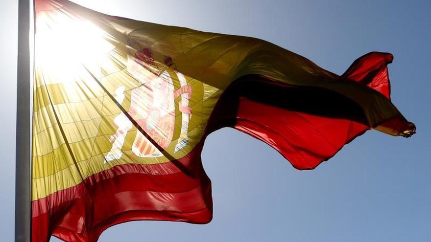 """""""España en tu balcón"""": el PP lanza una campaña animando a colgar la bandera"""