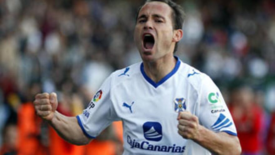 Nino, celebrando un gol.
