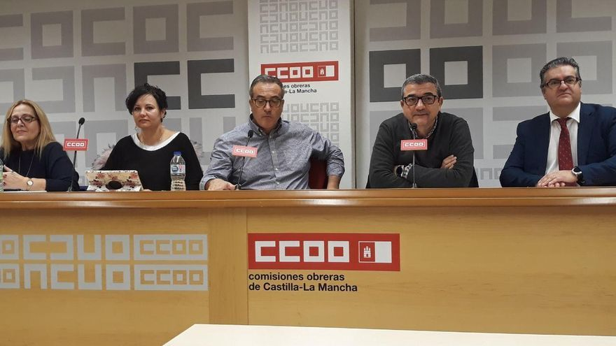 De izquierda a derecha, Carmen Colchón, Margarita Mena, Ángel León, José Antonio Romero y Paco Ferrer
