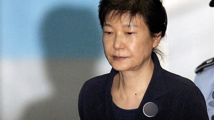 La expresidenta Park rechaza declarar ante la fiscalía sobre nuevas acusaciones
