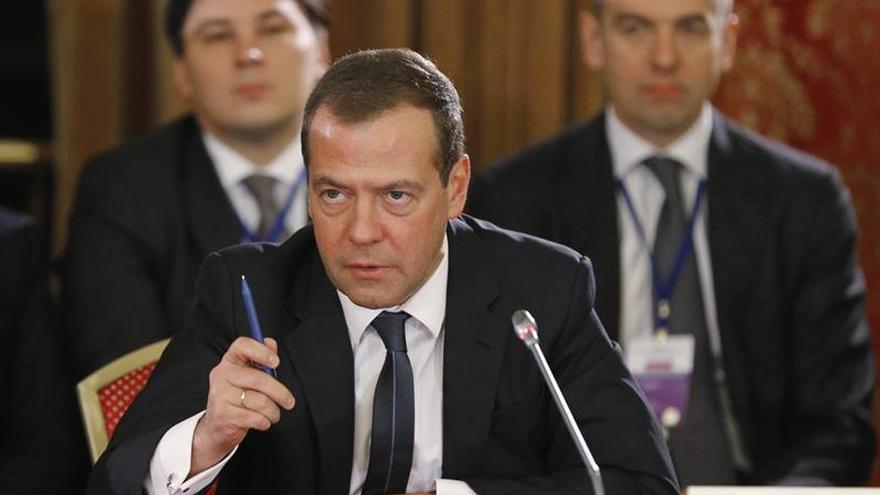 Medvédev viaja a Israel y Palestina para impulsar la reanudación del proceso de paz