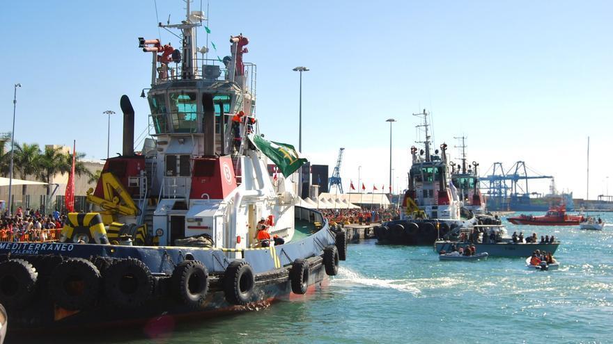 Los remolcadores de Boluda trajeron a los Reyes Magos hasta el muelle de Santa Catalina