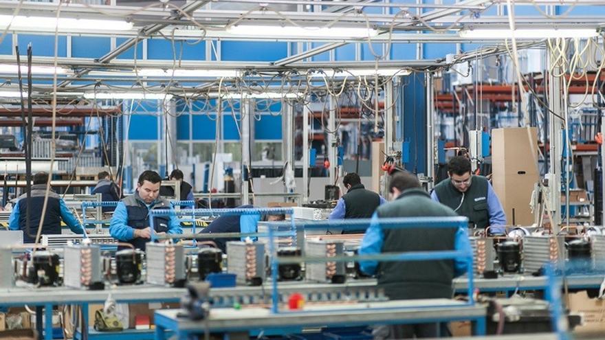 Euskadi sufre en abril una caída del 4,7% en la cifra de negocios de la industria, aunque los pedidos crecen un 0,3%