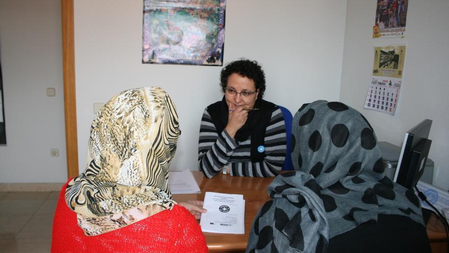 Atención sanitaria a inmigrantes sin papeles en Médicos del Mundo Castilla-La Mancha