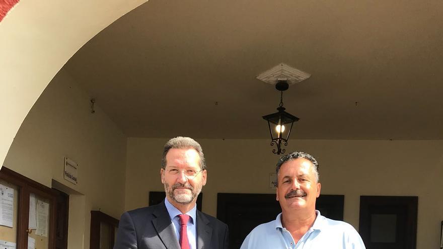 Juan Flores y Vicente Rodríguez.