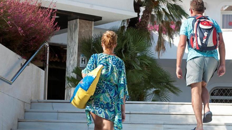 Lloret cierra dos hoteles más, uno de ellos con suministro ilegal de gas