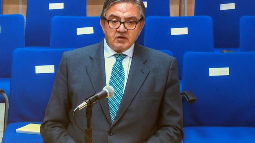 García Revenga niega que supervisara a Urdangarin para la Casa Real