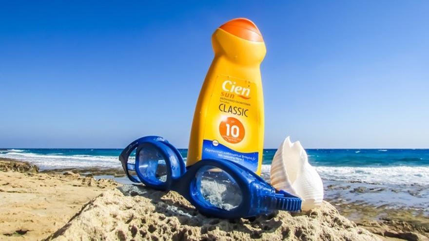 ¿En qué se diferencia un protector solar de las otras cremas?