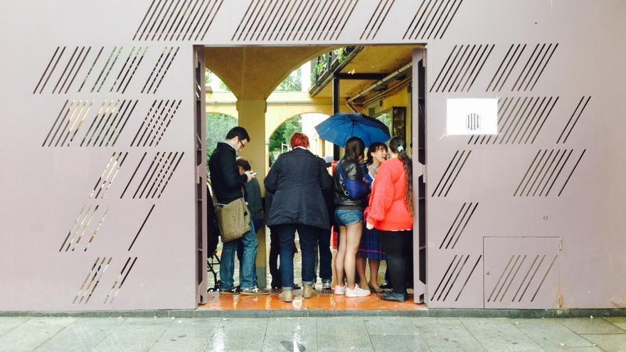 La participación en la ciudad de Barcelona es de 241.863 personas a las 13.00 horas